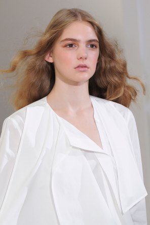 Lemaire-spring-2016-runway-beauty-fashion-show-the-impression-07