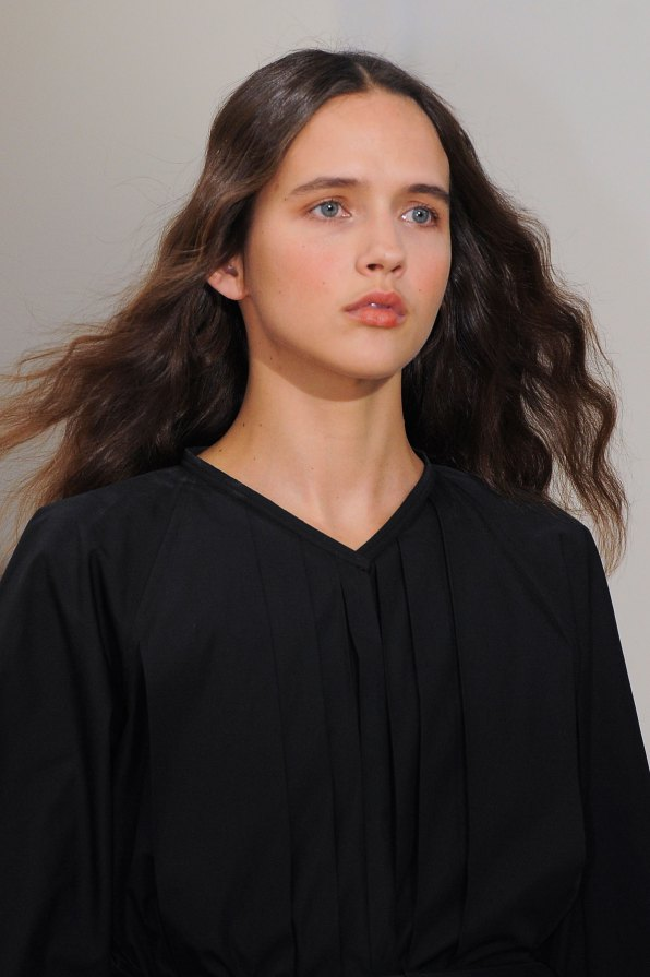Lemaire-spring-2016-runway-beauty-fashion-show-the-impression-16
