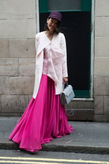 London-Fashion-Week-Street-Style-Day-1-spring-2016-the-impression-034