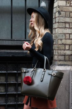 London-Fashion-Week-Street-Style-Day-1-spring-2016-the-impression-044