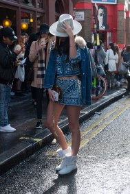 London-Fashion-Week-Street-Style-Day-1-spring-2016-the-impression-049