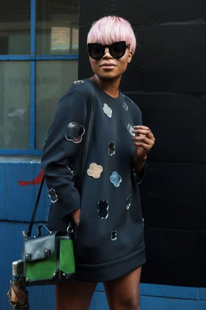 London-Fashion-Week-Street-Style-Day-1-spring-2016-the-impression-053
