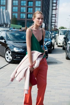 London-fashion-week-street-Style-Day-3-spring-2016-fashion-show-the-impression-058
