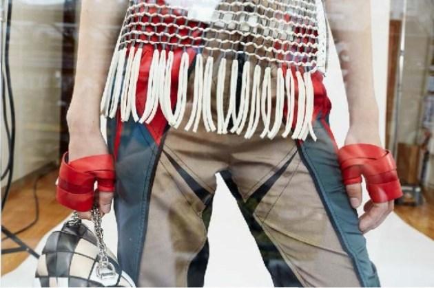 Louis-Vuitton-Strange-days-spring-2016-lookbook-the-impression-40