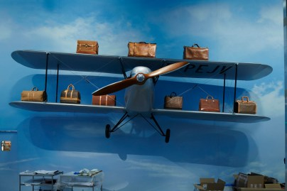Louis-Vuitton-Volez-Voguez-Voyagez-tokyo-exhibit-the-impression-10