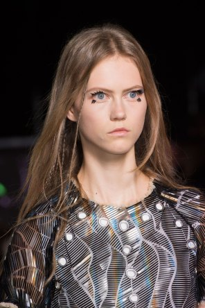 Louis-Vuitton-spring-2016-runway-beauty-fashion-show-the-impression-12
