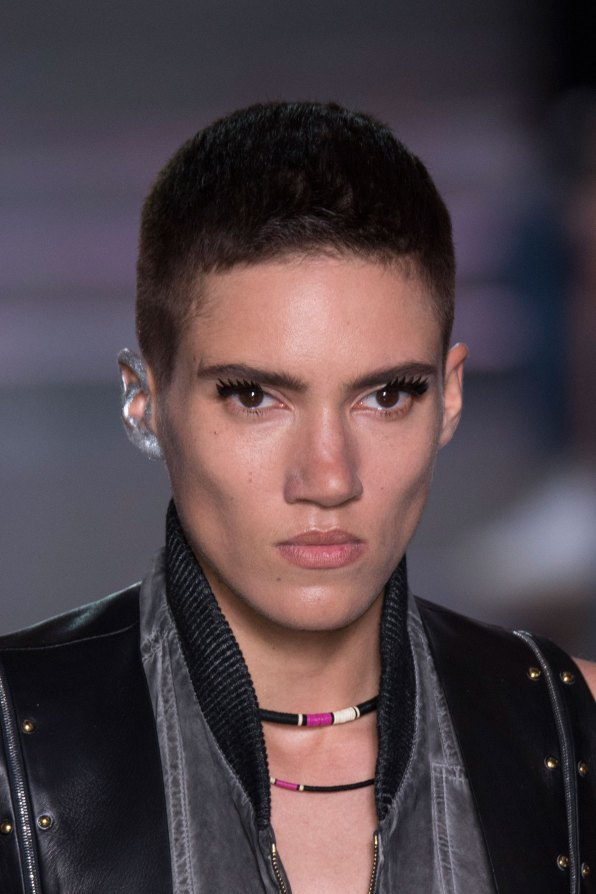 Louis-Vuitton-spring-2016-runway-beauty-fashion-show-the-impression-26