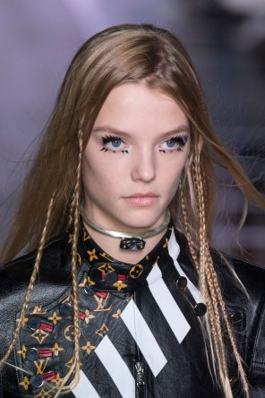 Louis-Vuitton-spring-2016-runway-beauty-fashion-show-the-impression-46