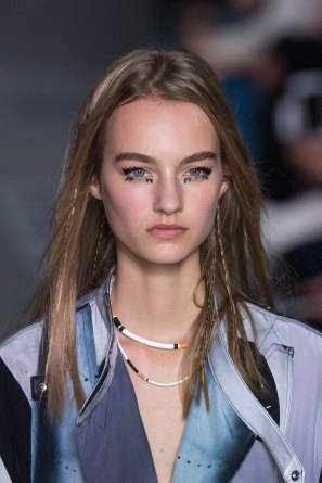 Louis-Vuitton-spring-2016-runway-beauty-fashion-show-the-impression-59
