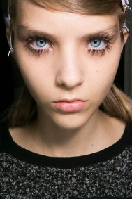 Marni-backstage-beauty-spring-2016-fashion-show-the-impression-017