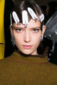 Marni-backstage-beauty-spring-2016-fashion-show-the-impression-020