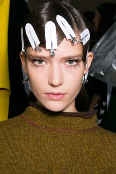 Marni-backstage-beauty-spring-2016-fashion-show-the-impression-020