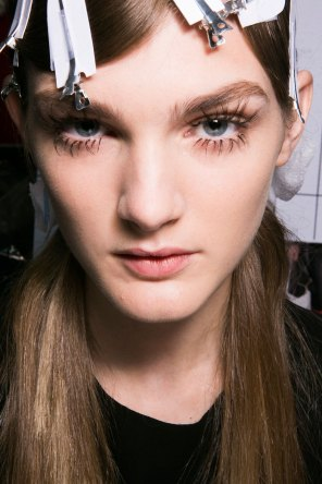Marni-backstage-beauty-spring-2016-fashion-show-the-impression-024
