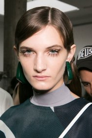 Marni-backstage-beauty-spring-2016-fashion-show-the-impression-033
