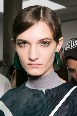 Marni-backstage-beauty-spring-2016-fashion-show-the-impression-033