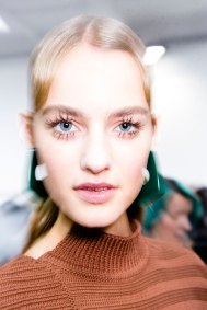 Marni-backstage-beauty-spring-2016-fashion-show-the-impression-071