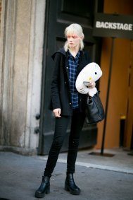 Milan-fashipn-week-street-stytle-day-2-september-2015-the-impression-003