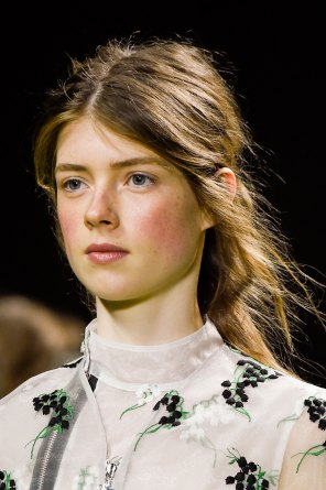 Moncler-Gamme-Rouge-spring-2016-runway-beauty-fashion-show-the-impression-08