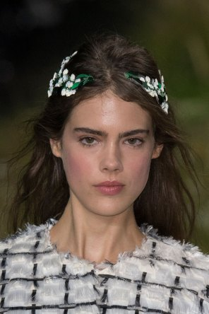 Moncler-Gamme-Rouge-spring-2016-runway-beauty-fashion-show-the-impression-36