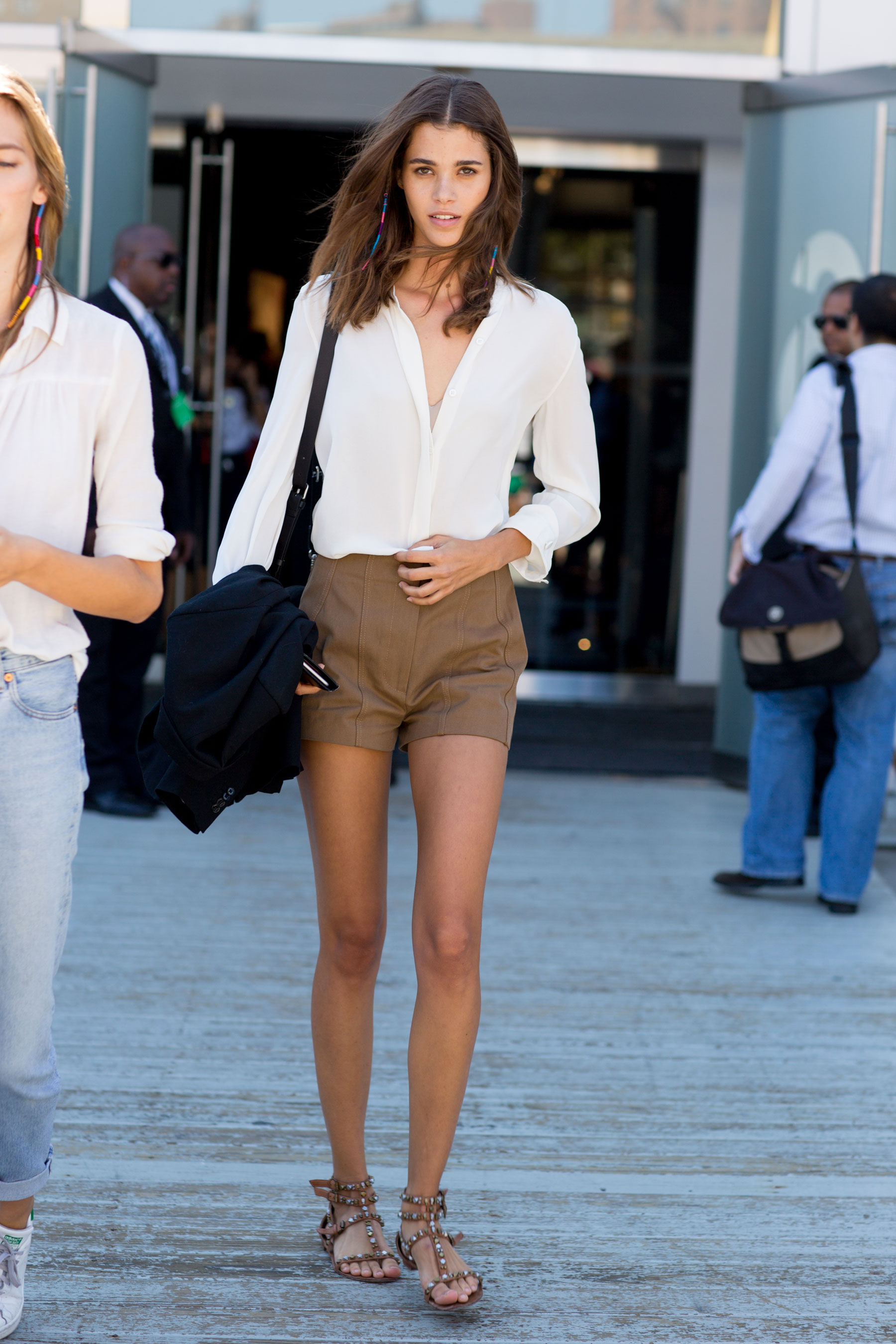 NEW-YORK-FASHION-WEEK-STREETS-STYLE-DAY5-spring-2016-fashion-show-the-impression-05