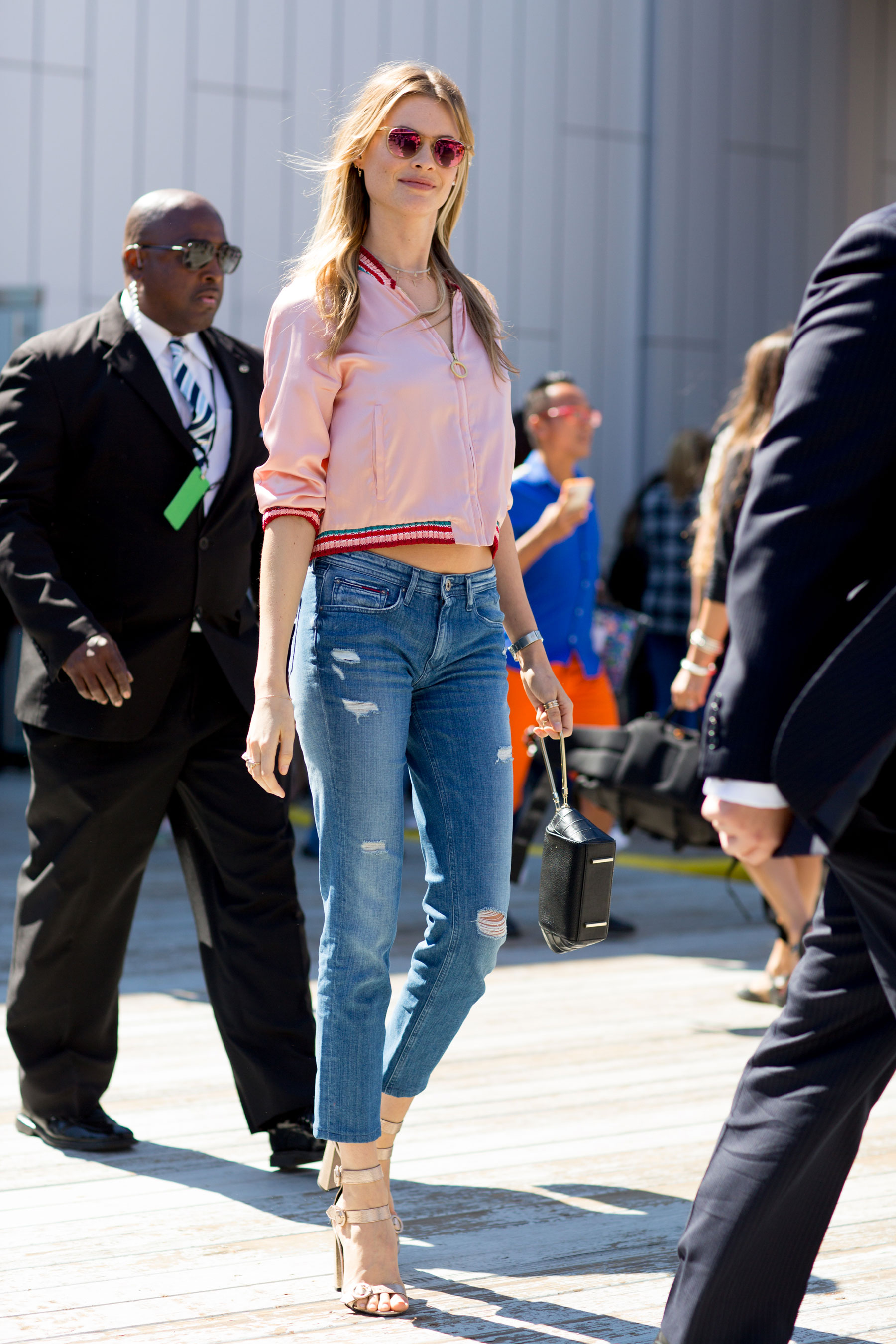 NEW-YORK-FASHION-WEEK-STREETS-STYLE-DAY5-spring-2016-fashion-show-the-impression-15
