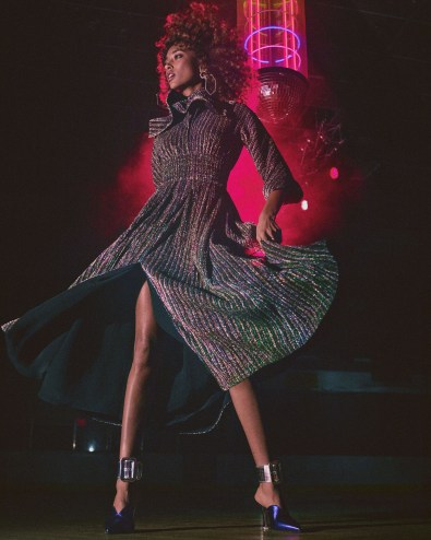 Net-A-Porter-holiday-2017-ad-campaign-the-impression-07