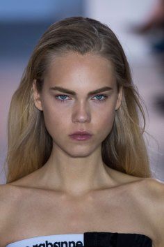 Paco-Rabanne-spring-2016-runway-beauty-fashion-show-the-impression-30