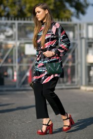 Paris-fashion-week-street-style-day-6-october-2015-the-impression-088