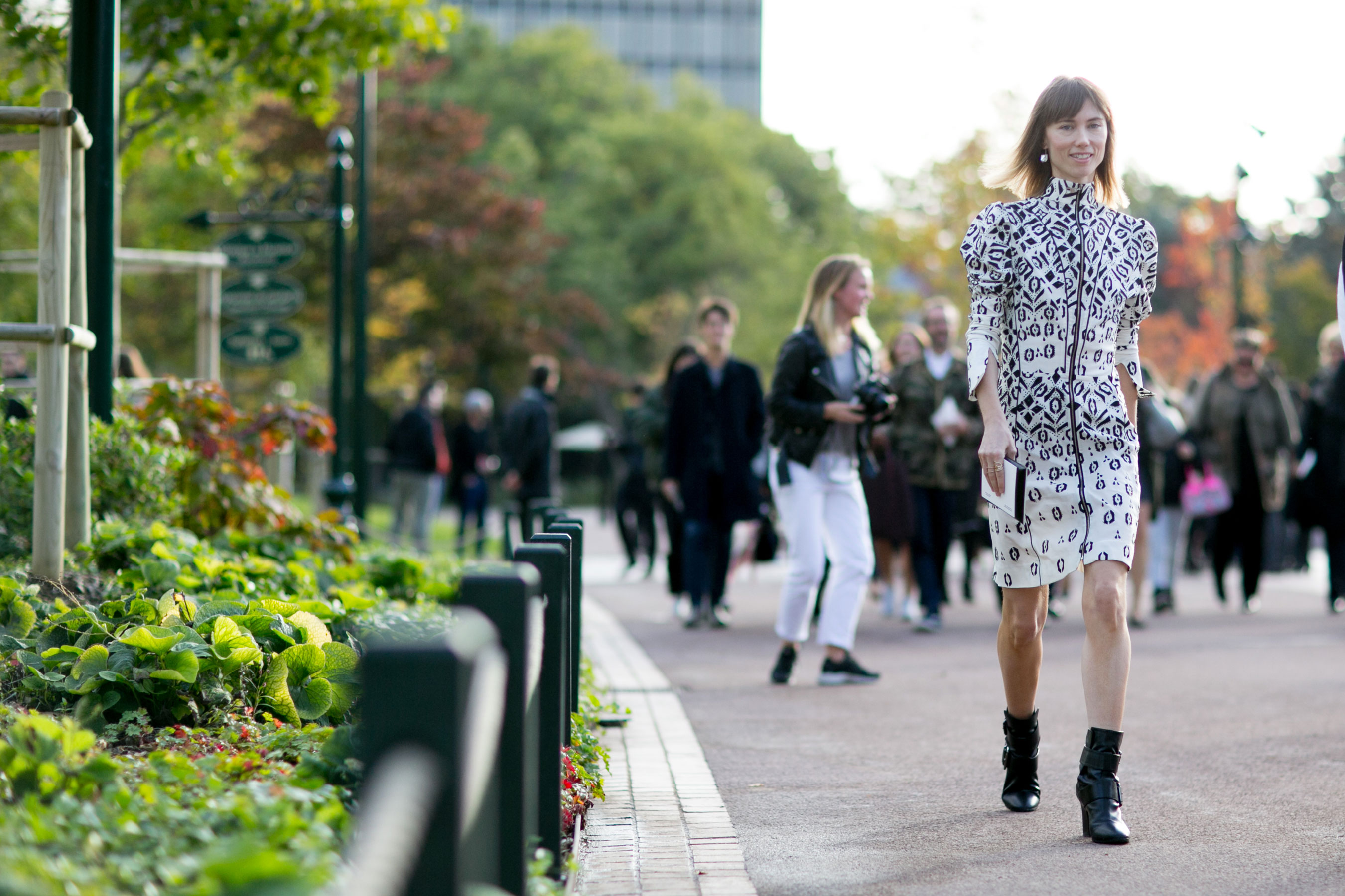 Paris-fashion-week-street-style-day-9-october-2015059