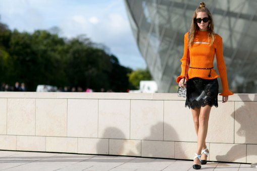 Paris-fashion-week-street-style-day-9-october-2015095