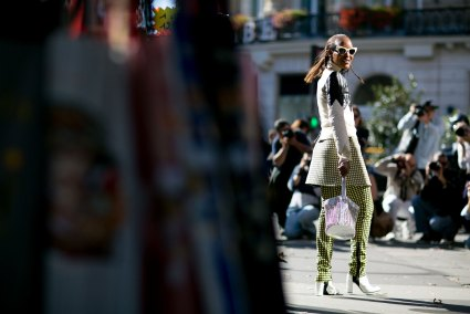 Paris-fashion-week-street-style-september-2015-day-3-the-impression-088