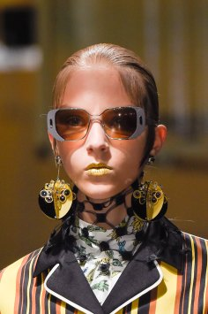 Prada-spring-2016-runway-beauty-fashion-show-the-impression-026