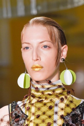 Prada-spring-2016-runway-beauty-fashion-show-the-impression-032