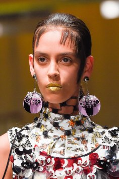 Prada-spring-2016-runway-beauty-fashion-show-the-impression-044