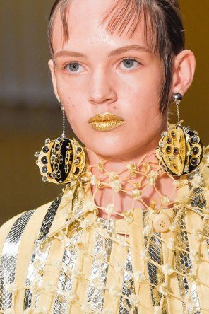 Prada-spring-2016-runway-beauty-fashion-show-the-impression-051