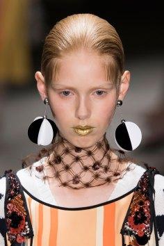 Prada-spring-2016-runway-beauty-fashion-show-the-impression-101