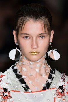 Prada-spring-2016-runway-beauty-fashion-show-the-impression-111