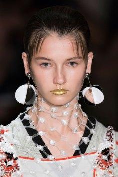 Prada-spring-2016-runway-beauty-fashion-show-the-impression-111