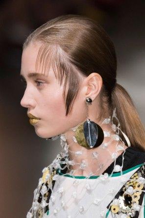 Prada-spring-2016-runway-beauty-fashion-show-the-impression-114