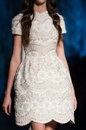 RALPH-and-RUSSO-close-ups-fall-2015-couture-the-impression-013