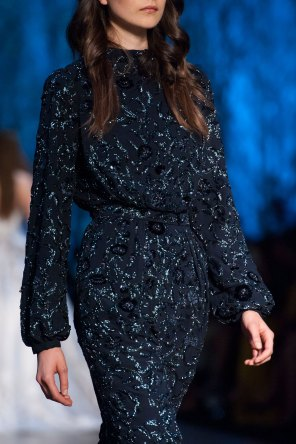 RALPH-and-RUSSO-close-ups-fall-2015-couture-the-impression-051