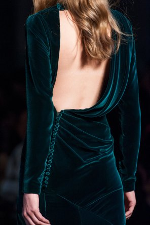 RALPH-and-RUSSO-close-ups-fall-2015-couture-the-impression-087