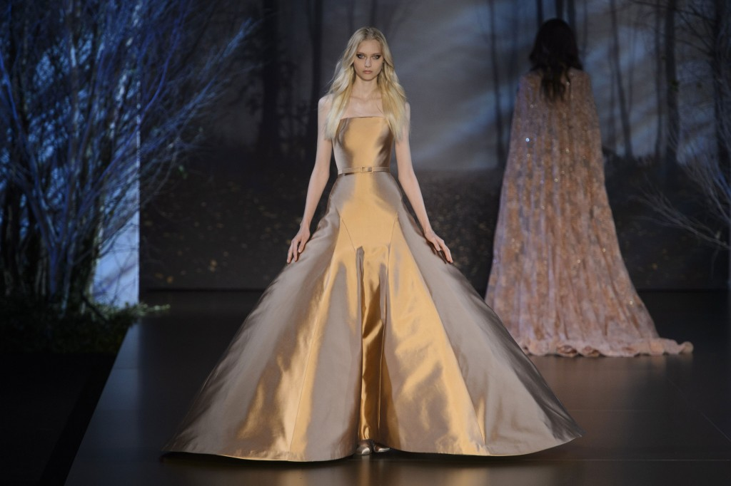 RALPH-and-RUSSO-fall-2015-couture-the-impression-016