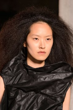 Rick-Owens-spring-2016-runway-beauty-fashion-show-the-impression-19