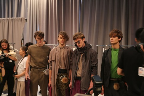 Robert-Geller-fashion-show-backstage-spring-2017-the-impression-001
