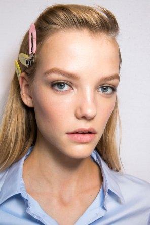 Roberto-Cavalli-Backstage-beauty-spring-2016-close-up-fashion-show-the-impression-010