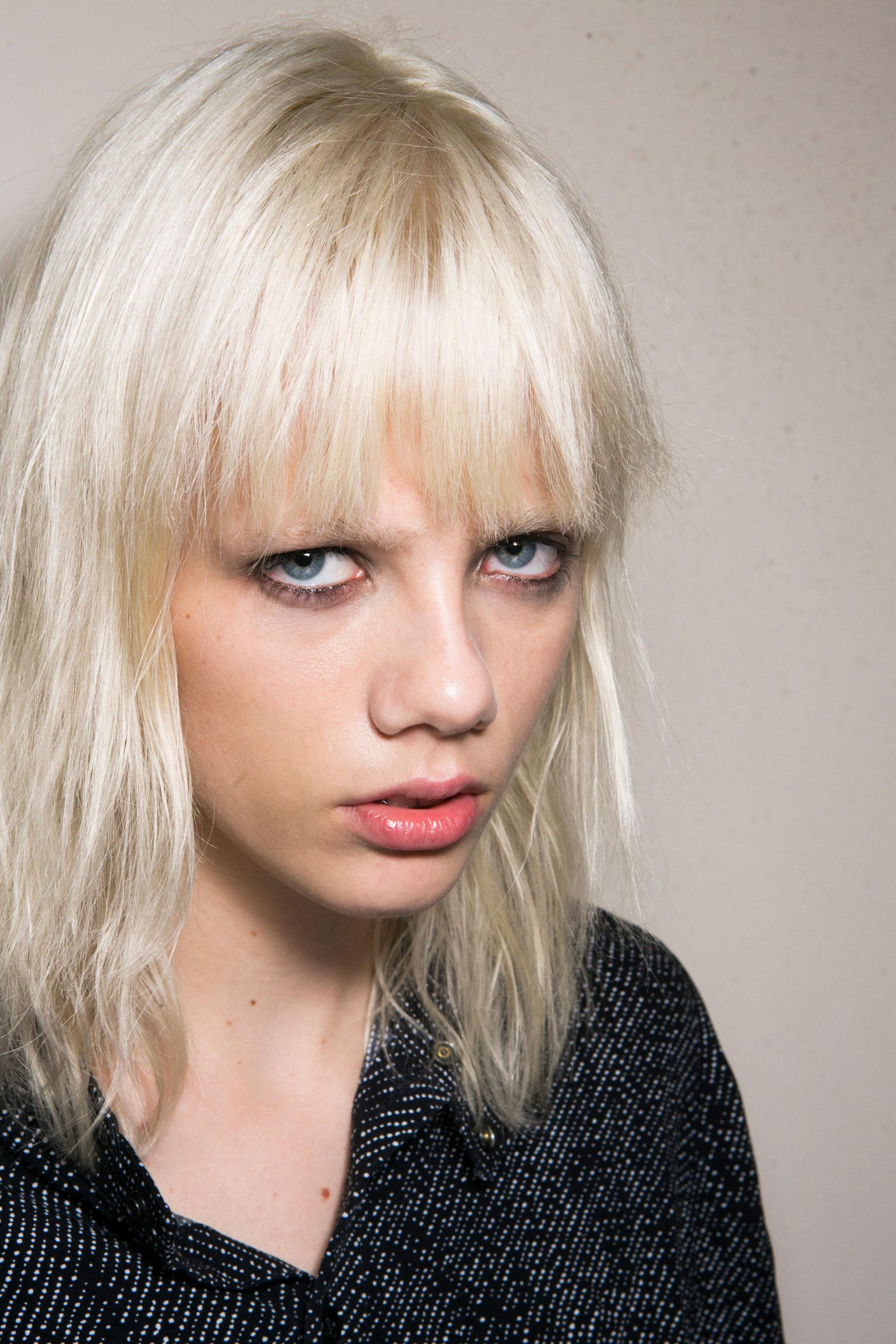 Roberto-Cavalli-Backstage-beauty-spring-2016-close-up-fashion-show-the-impression-022