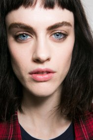 Roberto-Cavalli-Backstage-beauty-spring-2016-close-up-fashion-show-the-impression-032