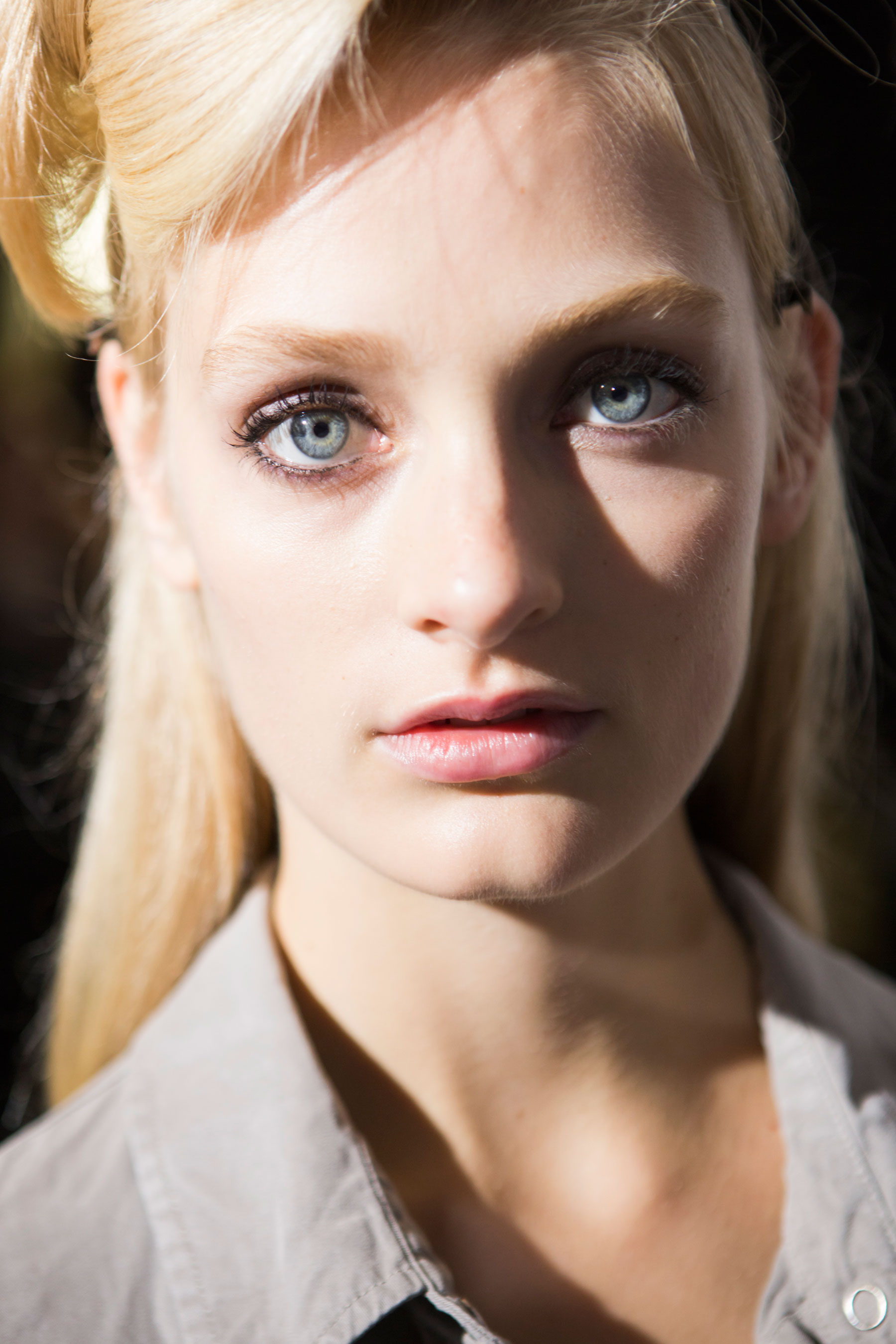 Roberto-Cavalli-Backstage-beauty-spring-2016-close-up-fashion-show-the-impression-076
