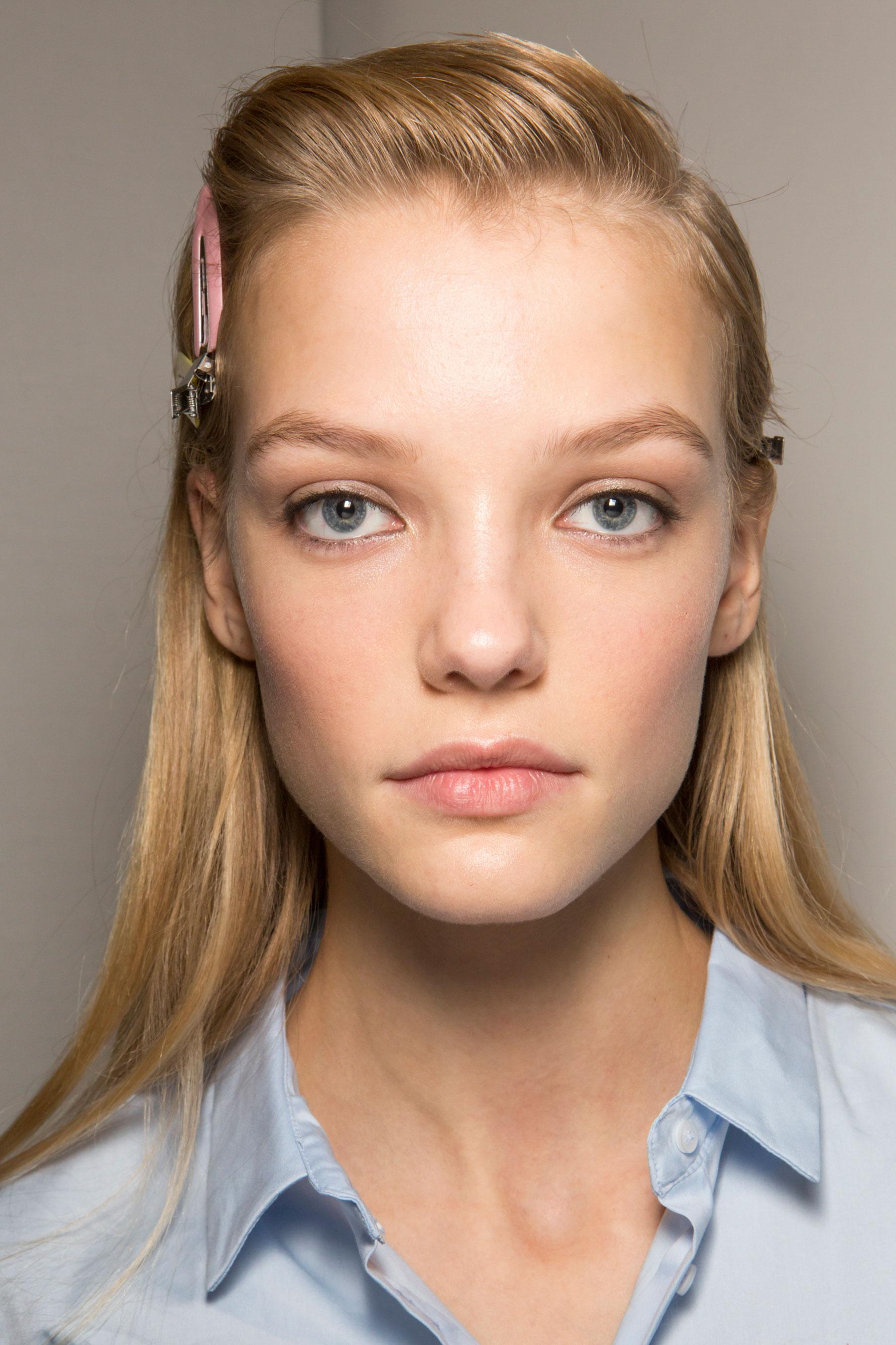 Roberto-Cavalli-Backstage-beauty-spring-2016-close-up-fashion-show-the-impression-081